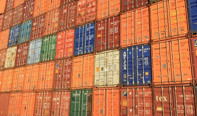 Specialist in foreign trade and logistics -ведущий специалист по ВЭД и логистике